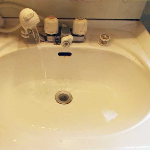洗面ボウルに水が溜まる排水つまり