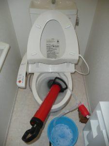 トイレ異物除去 修理中1