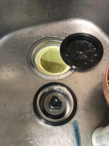 キッチンシンク下からの水漏れ